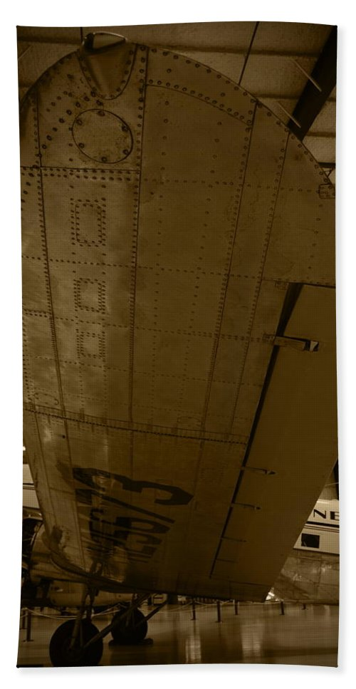 Dc3 Hand Towel featuring the photograph Will It Ever Fly Again by Richard Booth