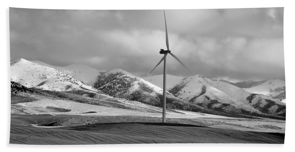 Idaho Hand Towel featuring the photograph Wind by Image Takers Photography LLC - Laura Morgan