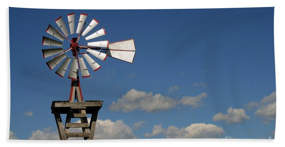 Windmill Photographs Hand Towel featuring the photograph Windmill-5764b by Gary Gingrich Galleries
