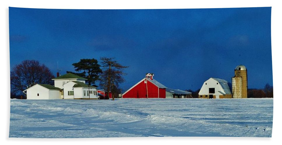 Winter Farm Hand Towel featuring the photograph Winter Farm by Daniel Thompson