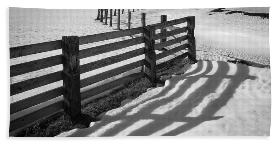 America Hand Towel featuring the photograph Winter Fence by Inge Johnsson