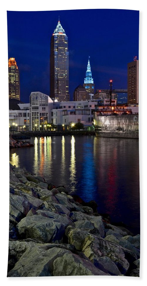 City Bath Sheet featuring the photograph Winter Glow by Frozen in Time Fine Art Photography