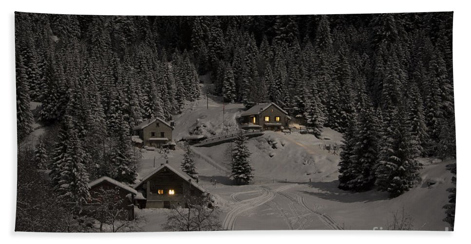 Houses Hand Towel featuring the photograph Winter Landscape by Mats Silvan