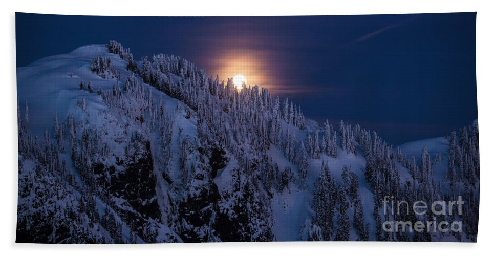 Moon Bath Sheet featuring the photograph Winter Mountain Moonrise by Mike Reid