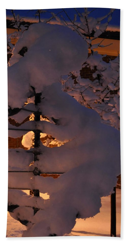 Sculpture Hand Towel featuring the photograph Winter Whirligig by Jim Brage