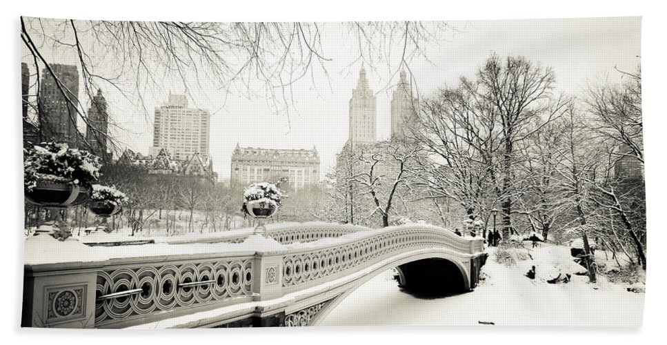 New York City Bath Towel featuring the photograph Winter's Touch - Bow Bridge - Central Park - New York City by Vivienne Gucwa