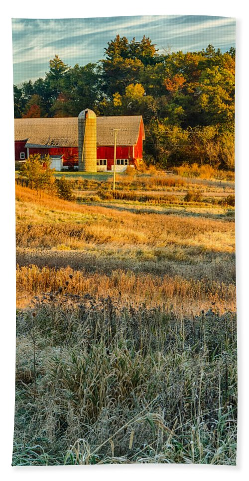 Barn Bath Sheet featuring the photograph Wisconsin - Country Morning by Lindley Johnson