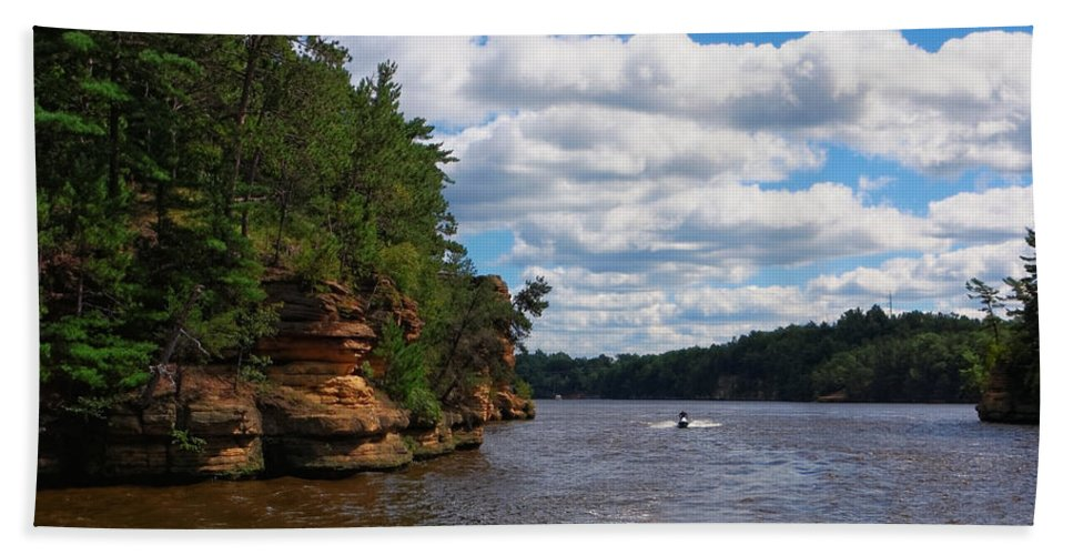 People Hand Towel featuring the photograph Wisconsin Dells Jetski by Lars Lentz