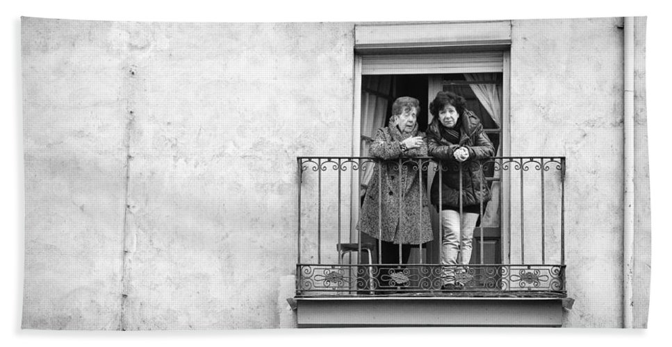Zamora Hand Towel featuring the photograph Women In Balcony by Pablo Lopez