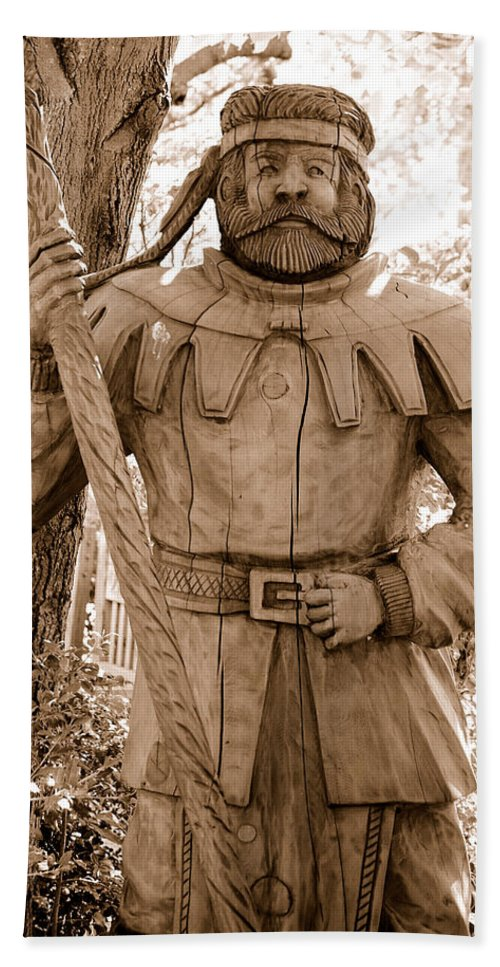 Wood Carved Carving Sherwood Forest Little John Robin Hood Knight Fairy Tale Town Sacramento Ca Bath Sheet featuring the photograph Wooden Sherwood Forest Carving by Holly Blunkall