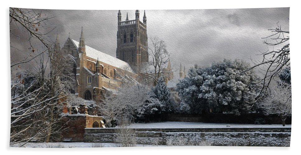 Cathedral Bath Sheet featuring the photograph Worcester Cathedral Cloudy by Roy Pedersen