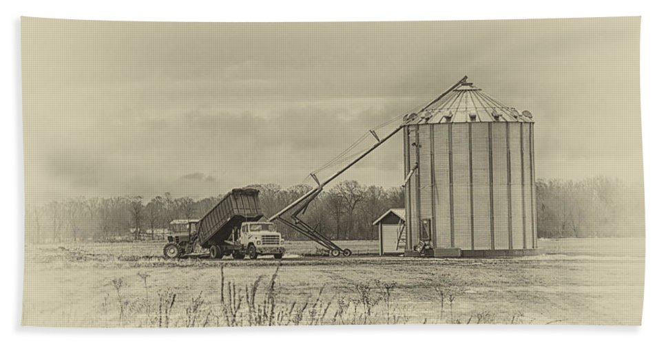 Farm Hand Towel featuring the photograph Working Farm by Eleanor Bortnick