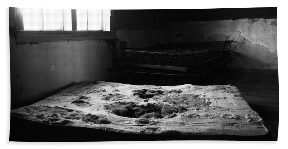Bed Room Bath Sheet featuring the photograph Wounded Sleeps by The Artist Project