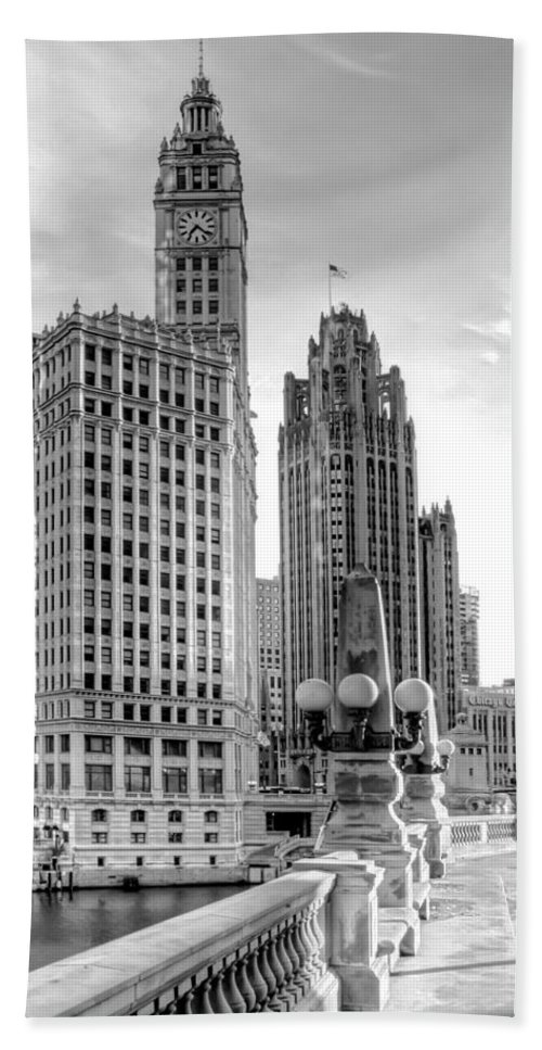 Architecture Bath Towel featuring the photograph Wrigley and Tribune by Scott Norris