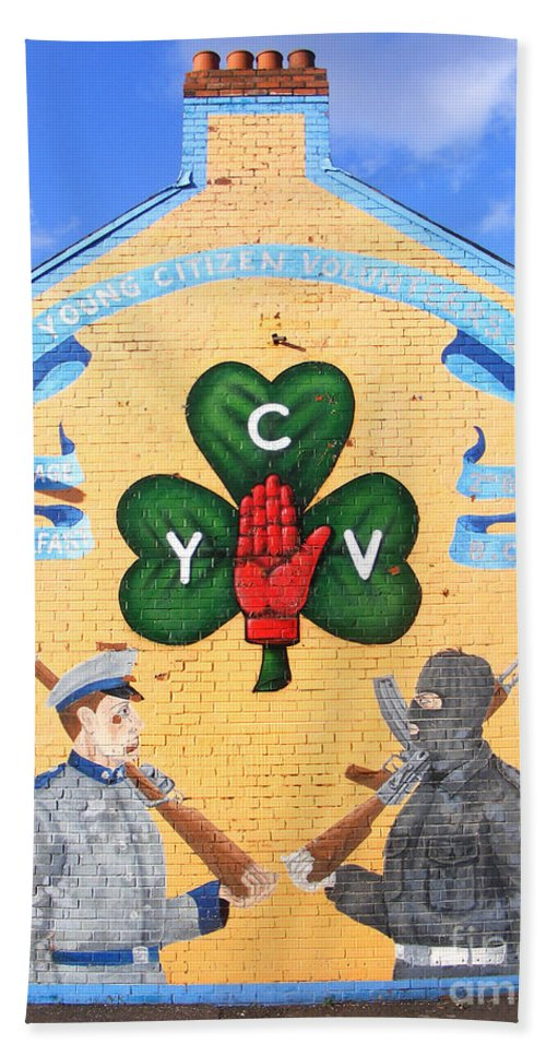 Loyalist Hand Towel featuring the photograph Belfast Ycv Mural by Nina Ficur Feenan