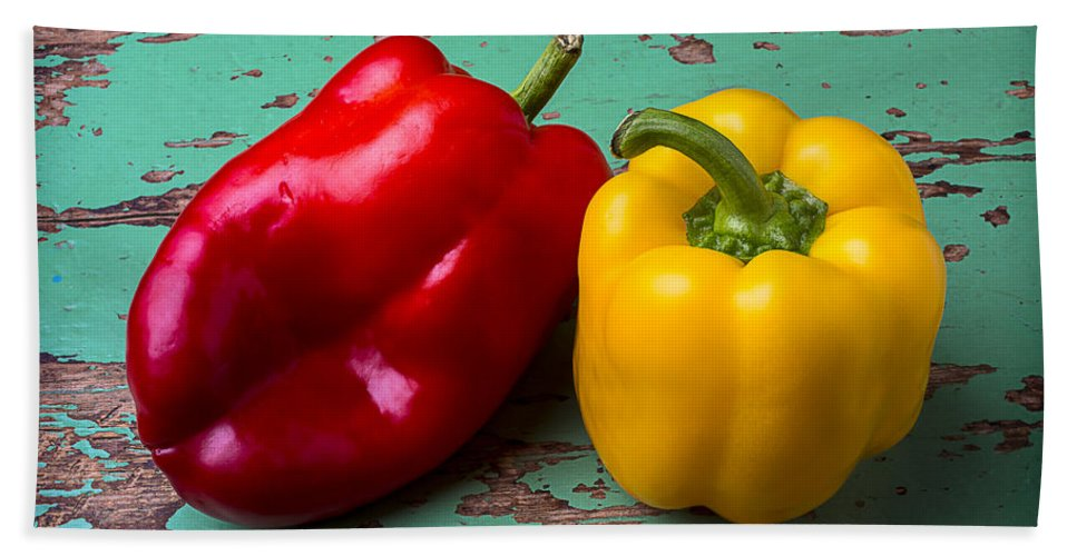 Yellow Hand Towel featuring the photograph Yellow And Red Bell Pepper by Garry Gay