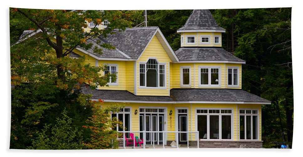Yellow Hand Towel featuring the photograph Yellow Cottage by Les Palenik