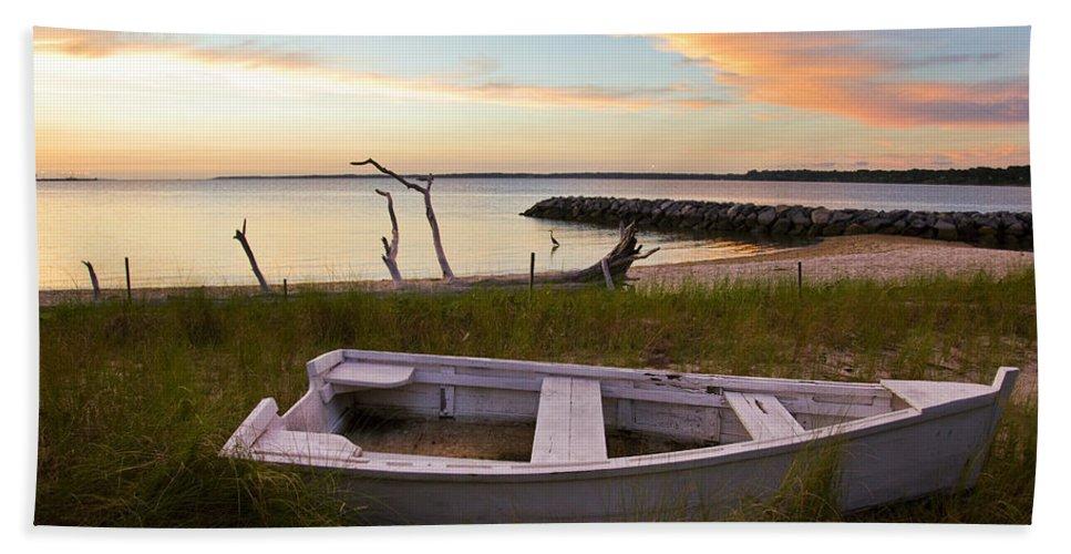 Sunset Hand Towel featuring the photograph Yorktown Beach Sunset by Amy Jackson