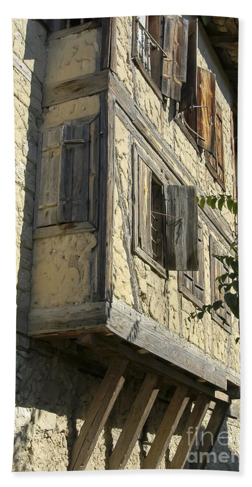 Ottoman House Houses Structure Structures Architecture Building Buildings Yoruk Village Safranbolu Turkey Cityscape Cityscapes Window Windows Shutter Shutters City Cities Villages Bath Sheet featuring the photograph Yoruk Village Ottoman House by Bob Phillips