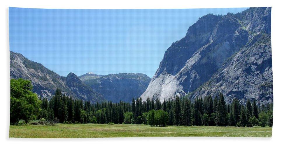 California Bath Sheet featuring the photograph Yosemite Valley by Henrik Lehnerer