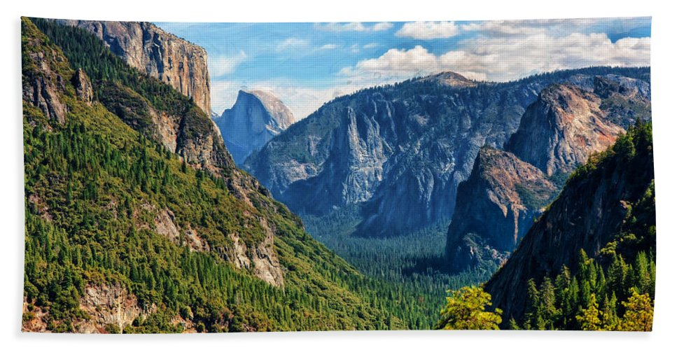 Landscape Hand Towel featuring the photograph Yosemite Valley Overlook by John M Bailey