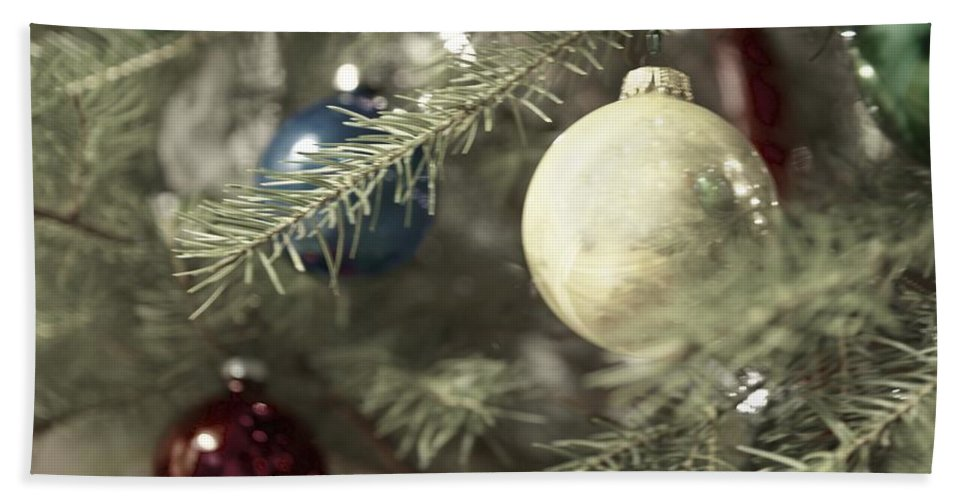 Christmas Hand Towel featuring the photograph Yuletide Cheer by Photographic Arts And Design Studio