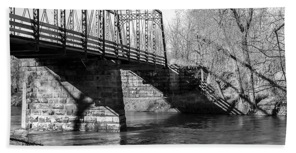 Arch Hand Towel featuring the photograph Zoar Iron Bridge by Jack R Perry
