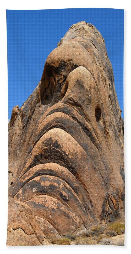 Alabama Bath Sheet featuring the photograph Alabama Hills Monster by Chlaus Loetscher