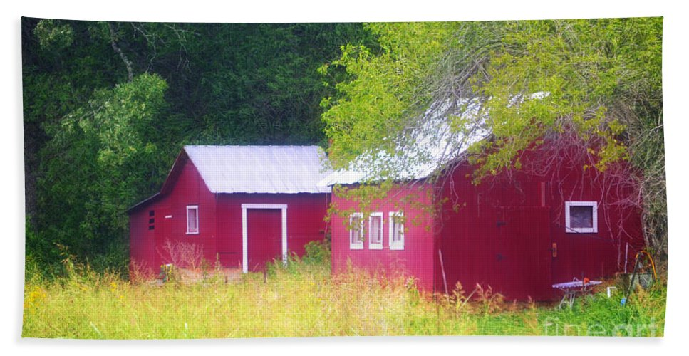 Landscape Bath Sheet featuring the photograph Peaceful Country Barn And Meadow by Peggy Franz