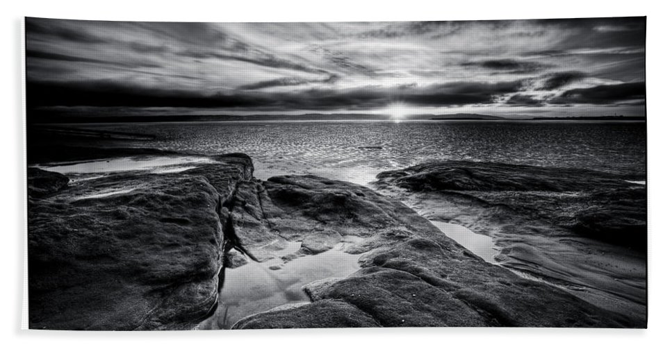 Black And White Bath Sheet featuring the photograph Red Rock Beach by Beverly Cash