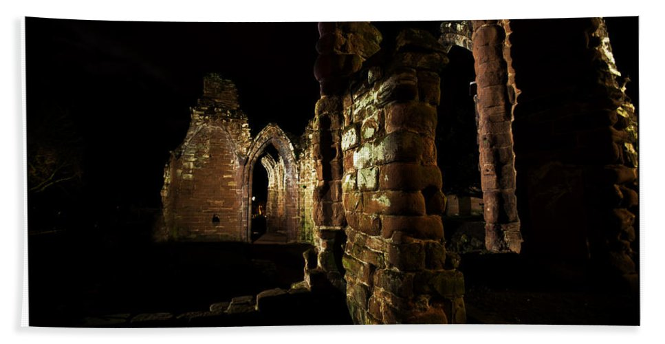 Ruins Bath Sheet featuring the photograph Ruins by Beverly Cash