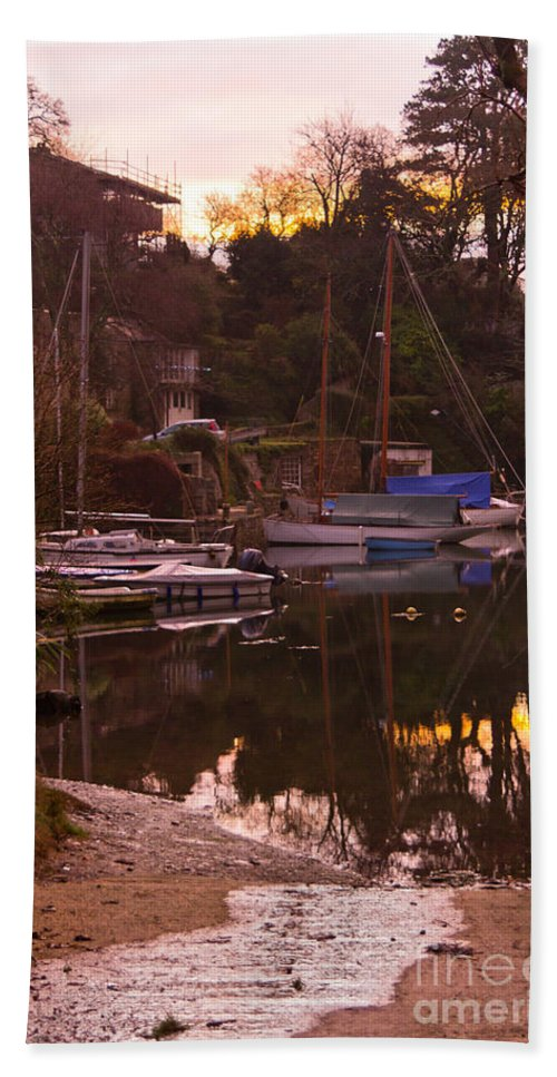 Port Navas Bath Towel featuring the photograph Sunrise Port Navas by Brian Roscorla