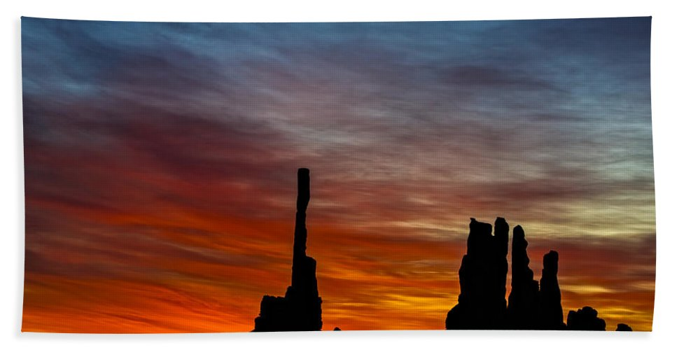 Sunrise Bath Sheet featuring the photograph A New Day At The Totem Poles by Susan Candelario