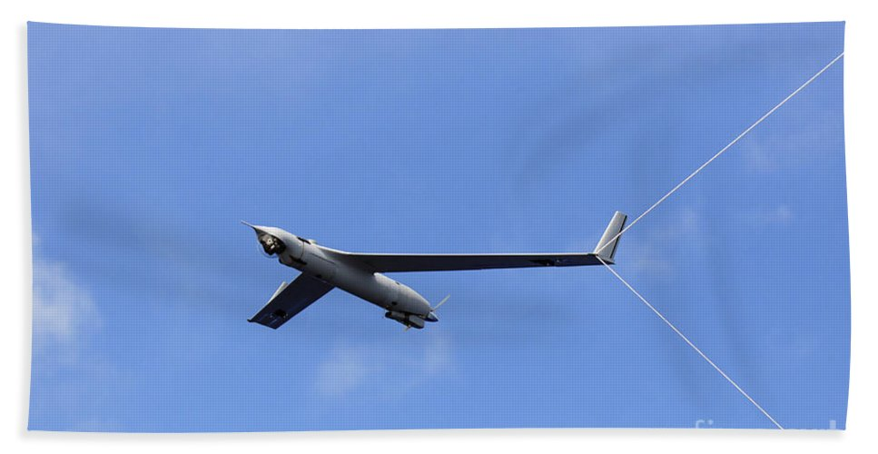 Unmanned Aerial Vehicles Hand Towel featuring the photograph A Scan Eagle Unmanned Aerial Vehicle by Stocktrek Images