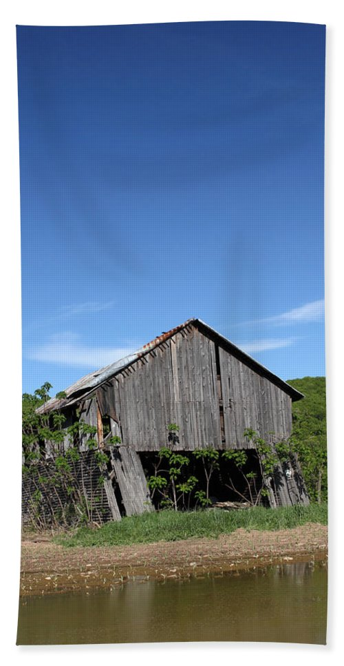 Copy Space Bath Sheet featuring the photograph Abandoned Old Farm Building With Blue Sky by John Stephens