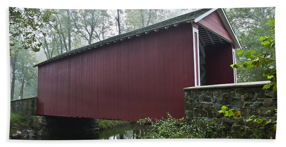 Ashland Hand Towel featuring the photograph Ashland Covered Bridge by John Greim