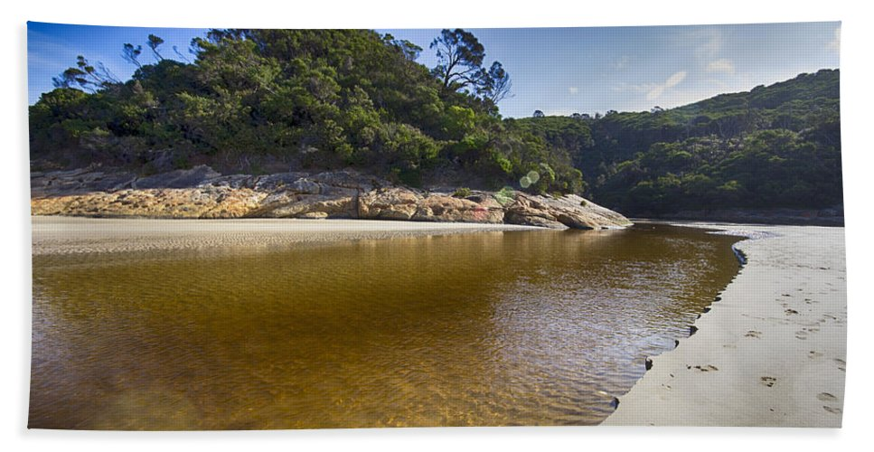 Tidal River Bath Towel featuring the photograph Beach Erosion by Douglas Barnard