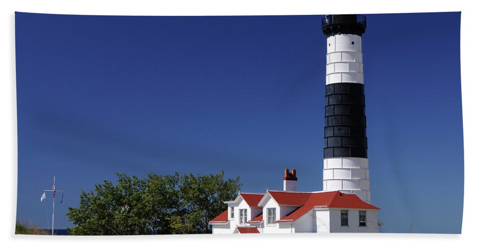 White Bath Sheet featuring the photograph Big Sable Point Lighthouse by Ronald Grogan