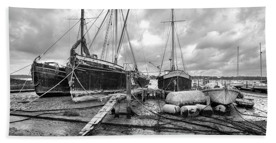 Pin Mill Hand Towel featuring the photograph Boats On The Hard Pin Mill by Gary Eason