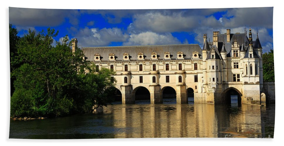 Chateau Bath Towel featuring the photograph Chateau Chenonceau by Louise Heusinkveld
