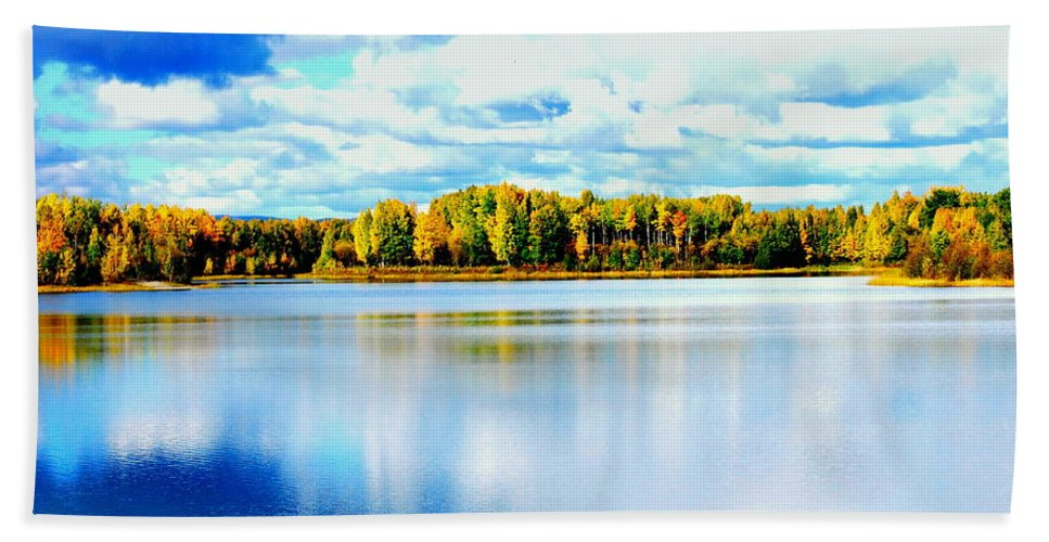 Water Hand Towel featuring the photograph Chena Lakes by Kathy Sampson