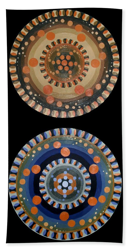 Hand Towel featuring the painting Circles by Kate Fortin