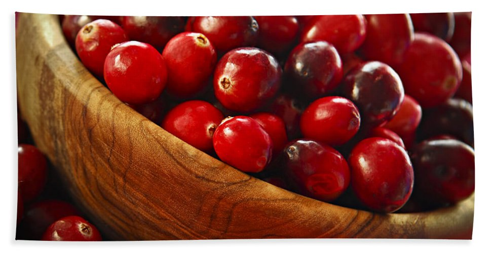 Cranberry Hand Towel featuring the photograph Cranberries In A Bowl by Elena Elisseeva