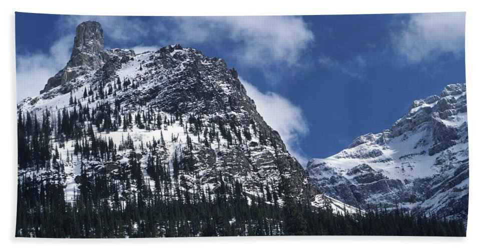 Blue Sky Hand Towel featuring the photograph Devil's Thumb by Roderick Bley