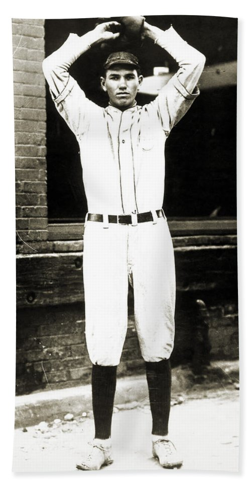 1920s Bath Sheet featuring the photograph Dizzy Dean (1911-1974) by Granger