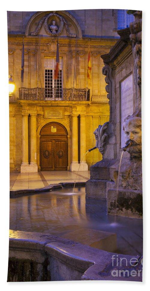Aix Bath Sheet featuring the photograph Fountain Aix-en-provence by Brian Jannsen