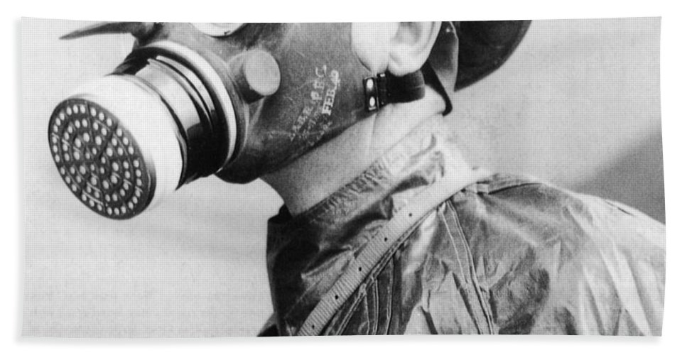 Gas Mask Hand Towel featuring the photograph Gas Masks by Science Source
