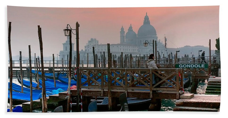 Venice Italy Bath Sheet featuring the photograph Gondole. Venezia. by Juan Carlos Ferro Duque
