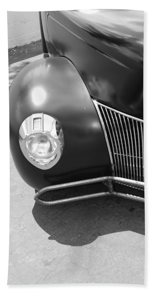 Hot Rod Hand Towel featuring the photograph Hot Rod Grill by Rob Hans