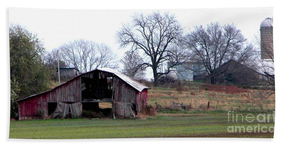 Barn Bath Sheet featuring the photograph Indiana by Peggy Starks